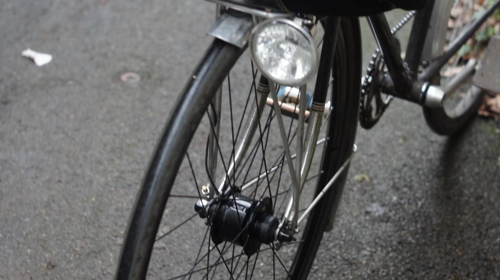 shimano alfine dynamo hub and E6 light