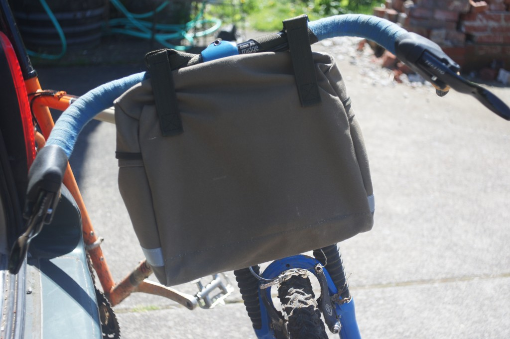 rivendell 'vegan' bag as a bar bag